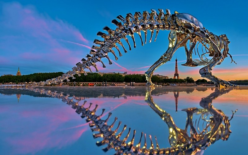 Chrome-T-Rex-Dinosaur-In-Paris-Wallpaper-800x500